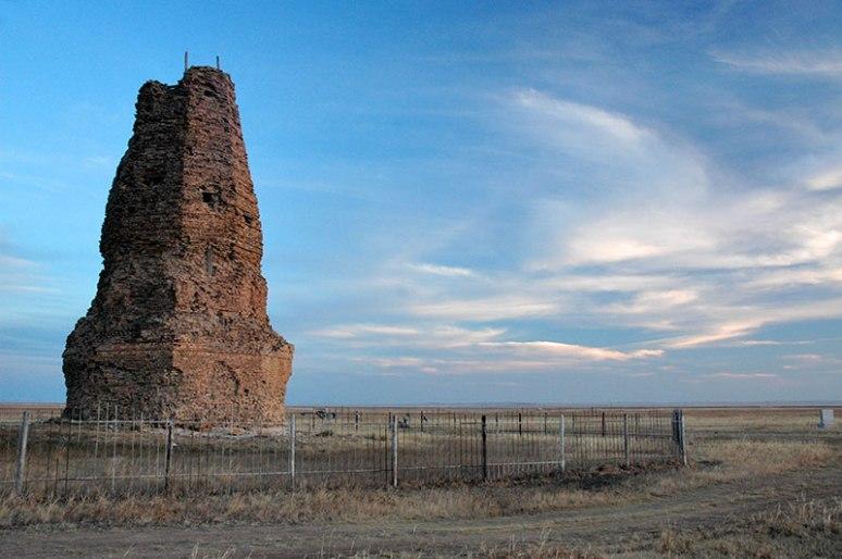 Stupa, Kherlen Bars, Dornod Province, Mongolia